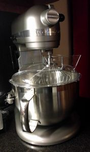 Stand-up mixer for pasta making